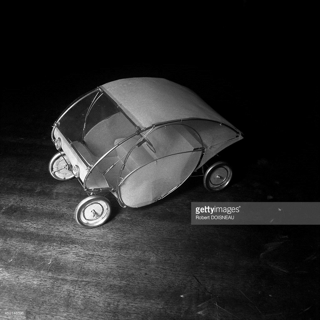 1948. Автомобиль Пола Арзенса, французского художника - конструктора железнодорожных локомотивов и легковых автомобилей