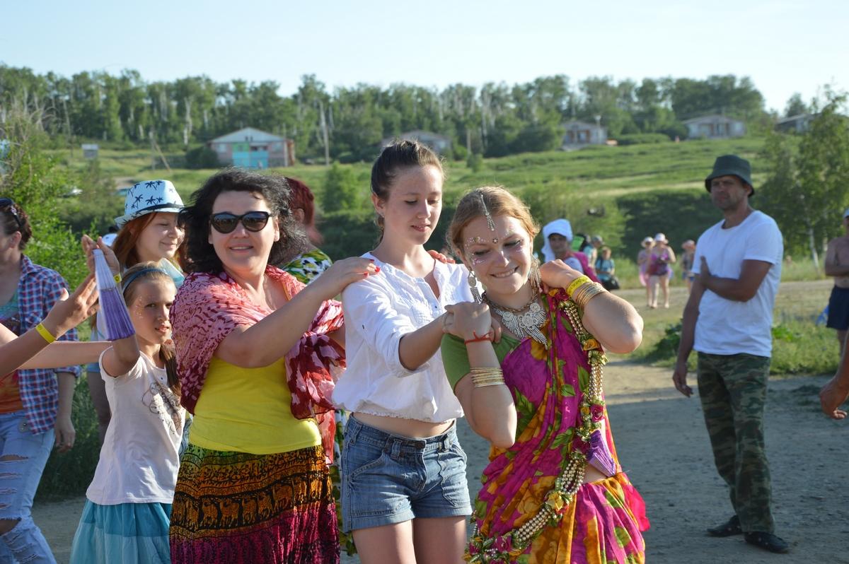 Танцы надне летнего солнцестояния