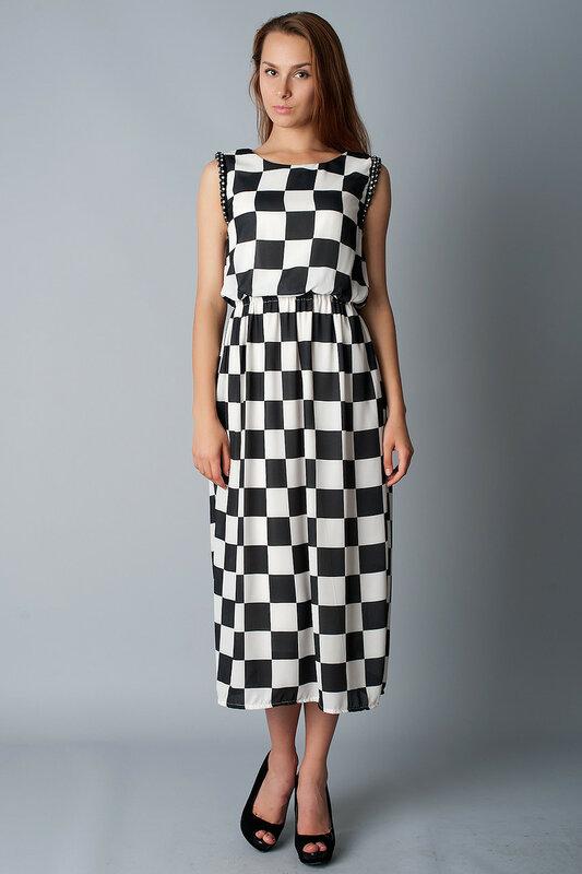 Длинное платье  в чёрно-белую клетку
