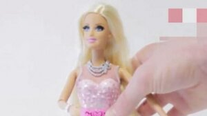 Кукла Барби начала сквернословить