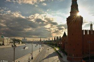 Москва. Кремлевская набережная.