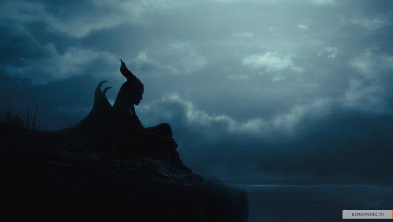 kinopoisk.ru-Maleficent-2410561.jpg