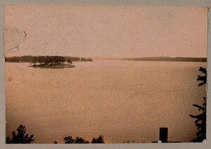 Вид на Остров любви со стороны острова Людвигштайн.