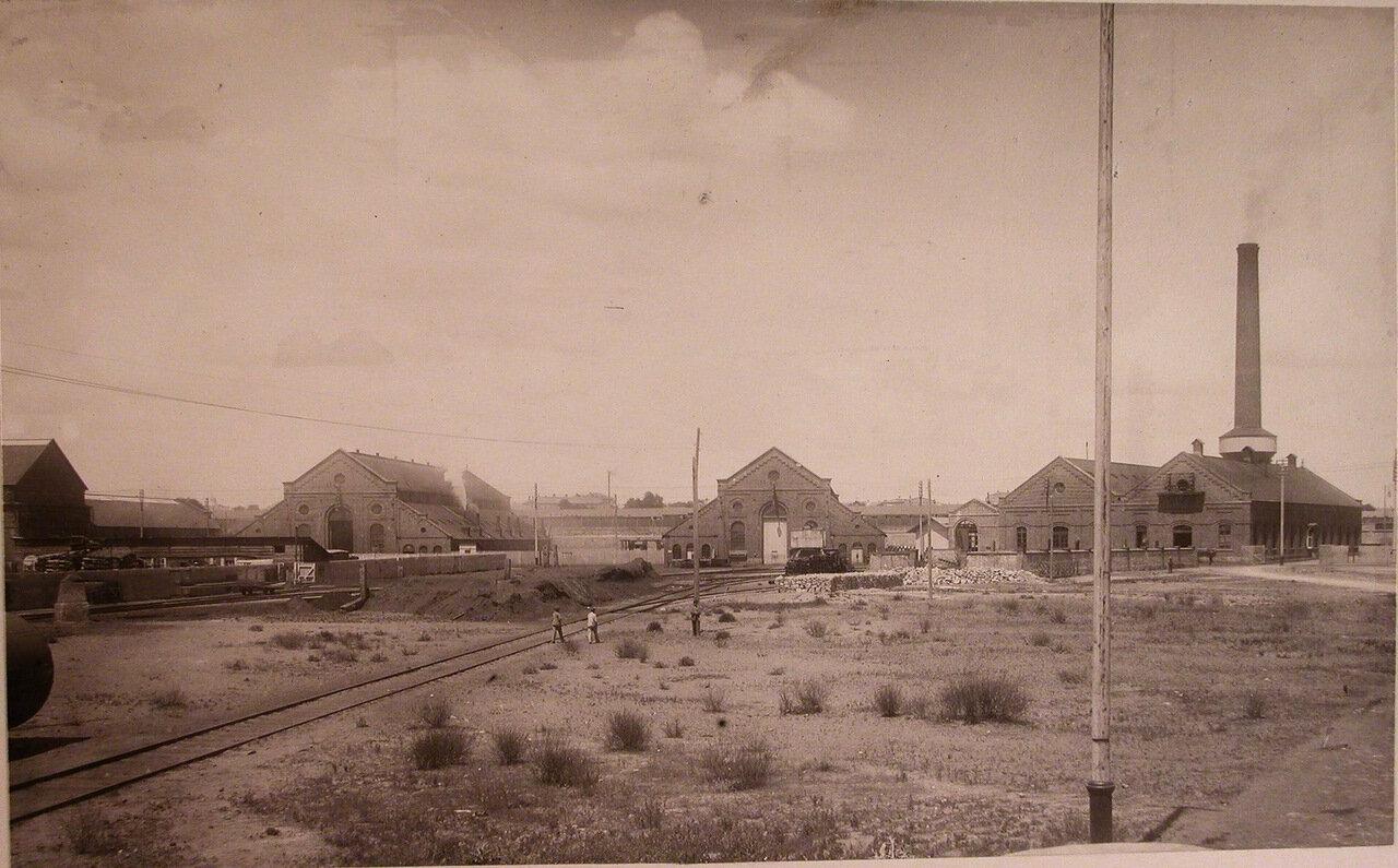 03. Вид территории, где размещались (слева направо) кузнечный цех, магазин и центральная станция общества