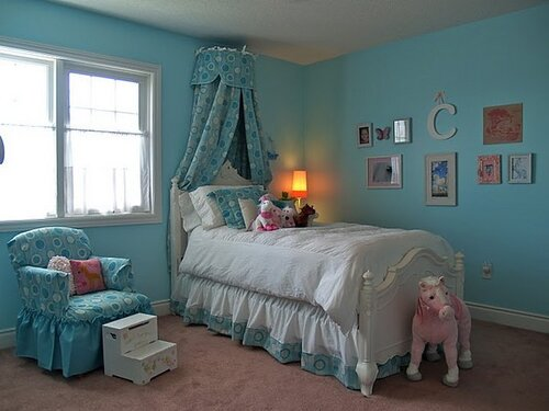 голубая детская комната интерьер
