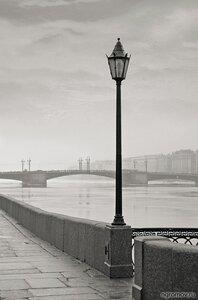 Фонарь на набережной (Дворцовый мост, мост, набережная, нева, фонарь)