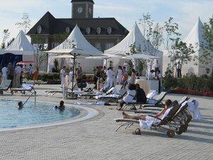 Бассейн для гостей мероприятия. Open Air Agalarov Estates