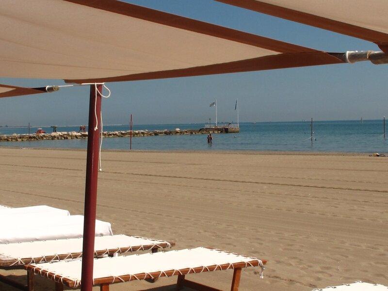 Пляж на Лидо