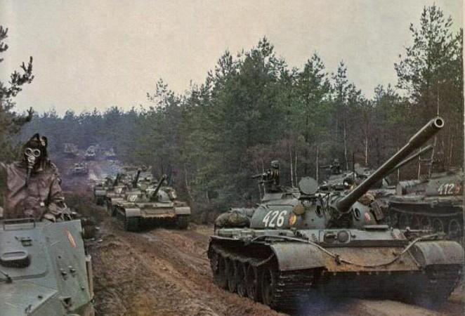 soviet-t-55-column-warsaw-pact-02-e1445963491716.jpg