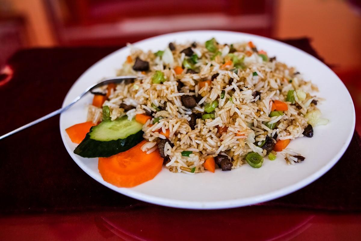 24. Рис с мясом яка и овощами.