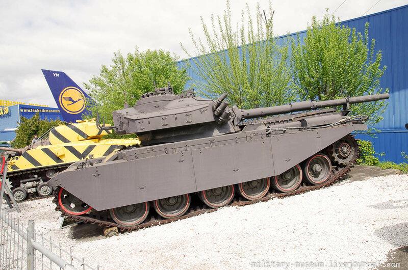 Военная техника в Музее техники в Зинсхайме
