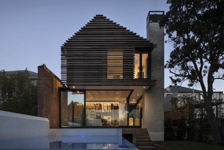 Matter  designed this stunning 300.0 m2 villa located in Auckland, New Zealand, in 2