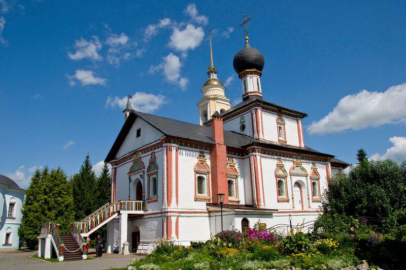 Троицкий Ново-Голутвинский монастырь.