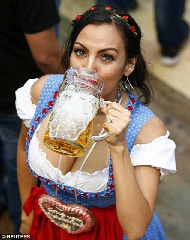 Нуууу,  с  праздником  ПИВА  )))))      Начинается  Октоберфест (Oktoberfest)  !!!