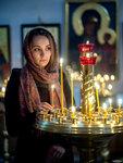 свечи и портрет