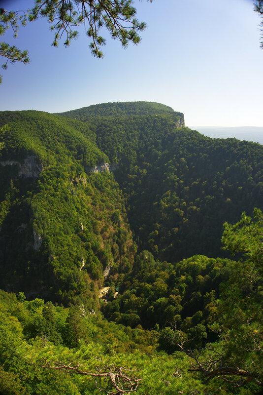 Гуамское ущелье со смотровой