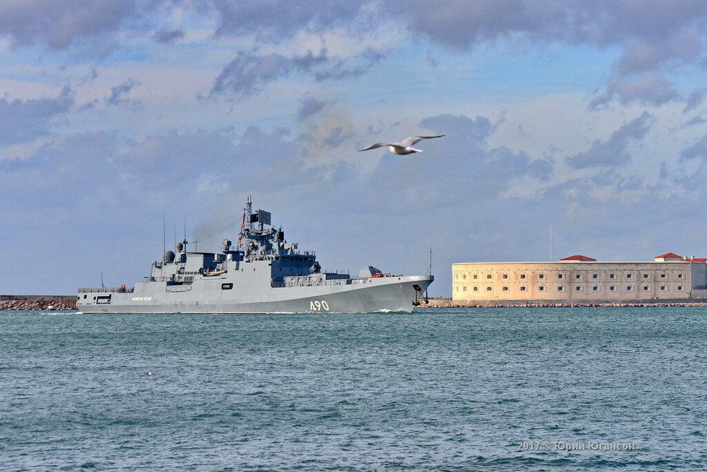 Адмирал Эссен вернулся в Севастополь