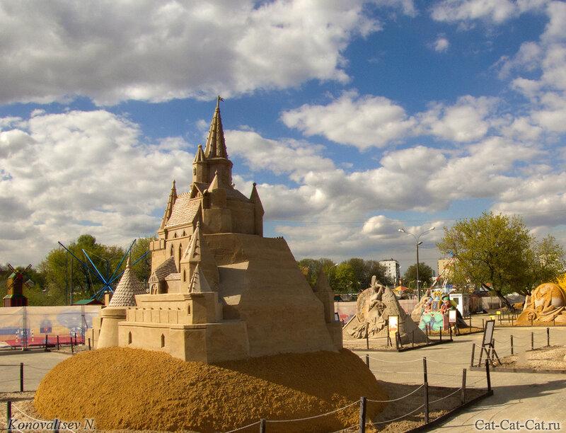 Замок-дворец из песка. Выставка в Коломенском 2018