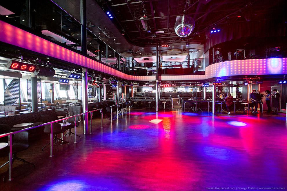11. Большинство заведений Viking Grace ночью являются пространствами для развлечений и отдыха,