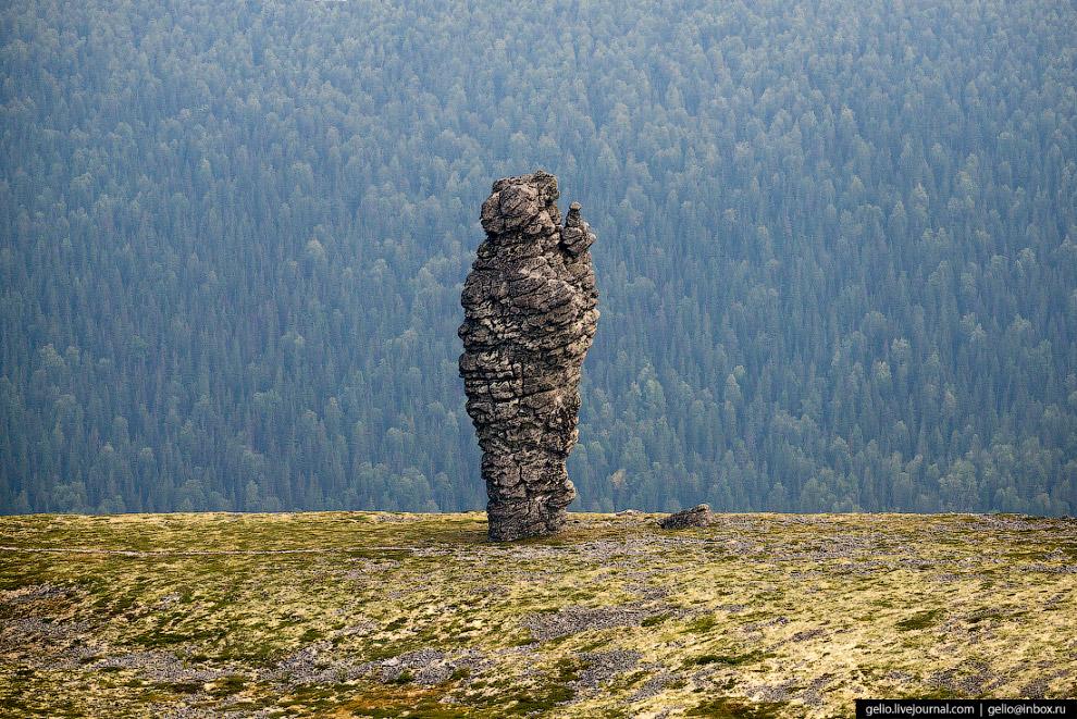 10. По старинной легенде югров, идолы Маньпупунёр — это окаменевшие братья-великаны. Один из них зах