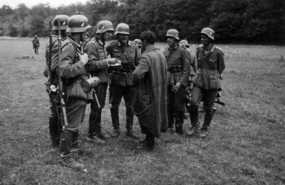 Удовлетворить потребности   Неотъемлемой частью немецкого армейского быта были