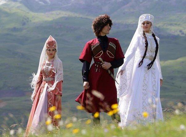 osetinskaya-natsionalnaya-odejda-kratko-168730-large.jpg