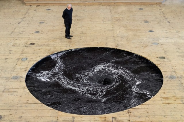 Dark Maelstrom by Anish Kapoor (5 pics)