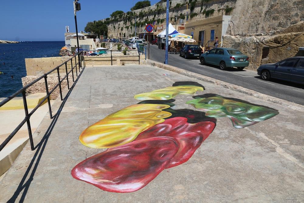Sidewalk Paintings of Gargantuan Gummy Bears Wobble to Life When Viewed From Above