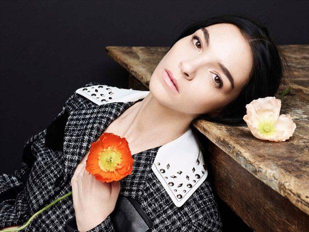Supermodel  Mariacarla Boscono  teams up with fashion photographer  Phil Poynt