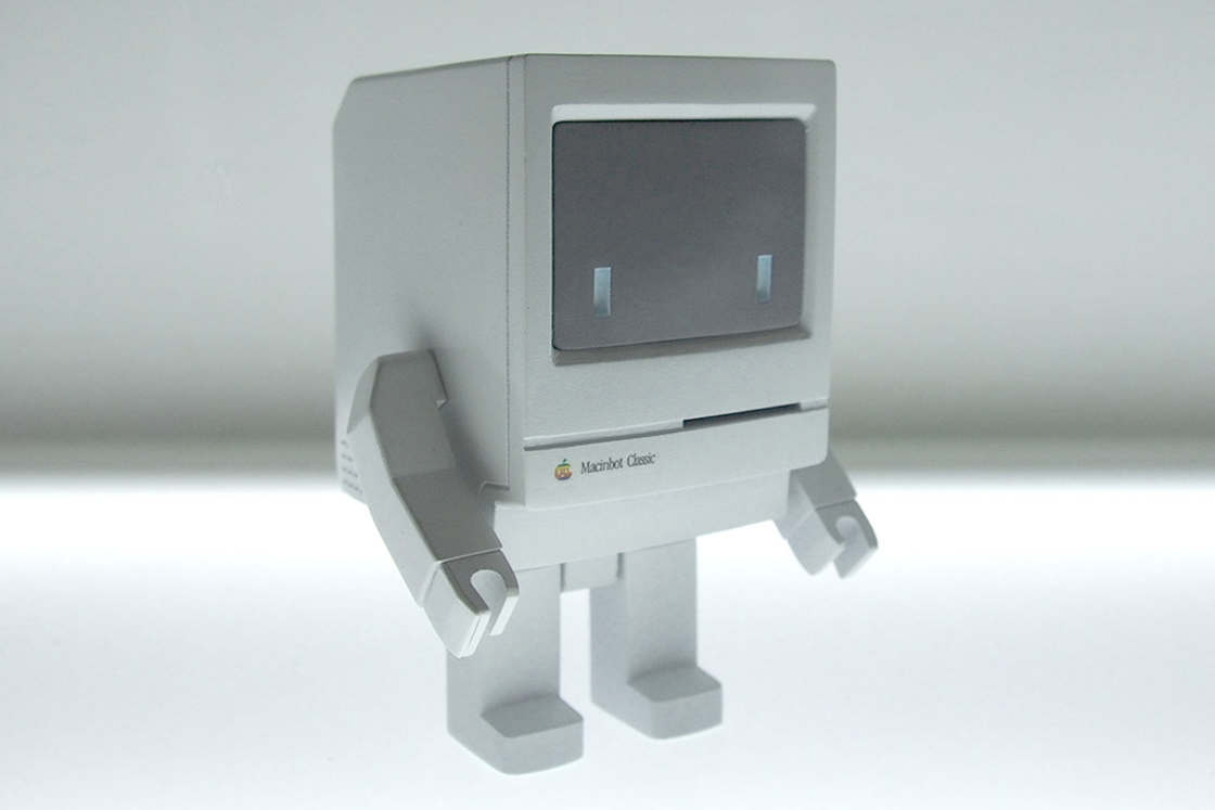 Macinbot Classic – An adorable art toy in tribute to the Apple Macintosh