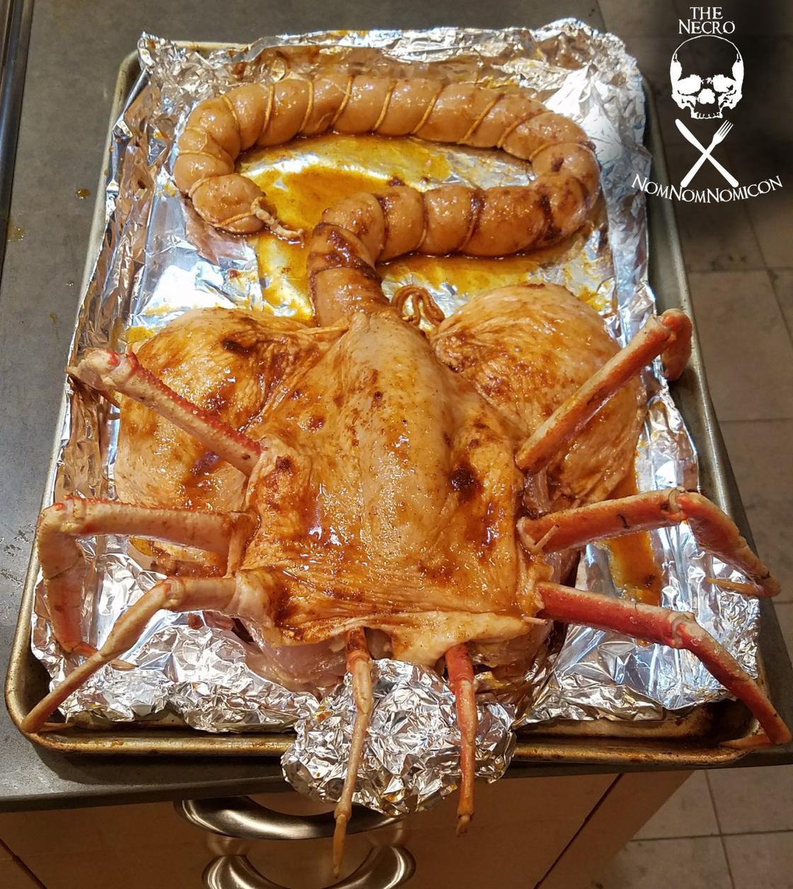Bad Taste – She pays tribute to Alien for her Thanksgiving dinner