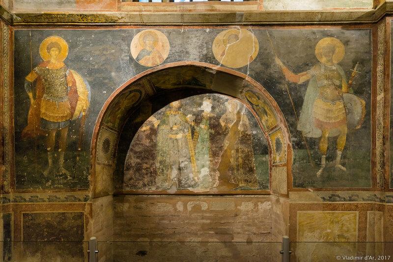 Могила четырех неизвестных. Мозаики и фрески монастыря Хора. Церковь Христа Спасителя в Полях.