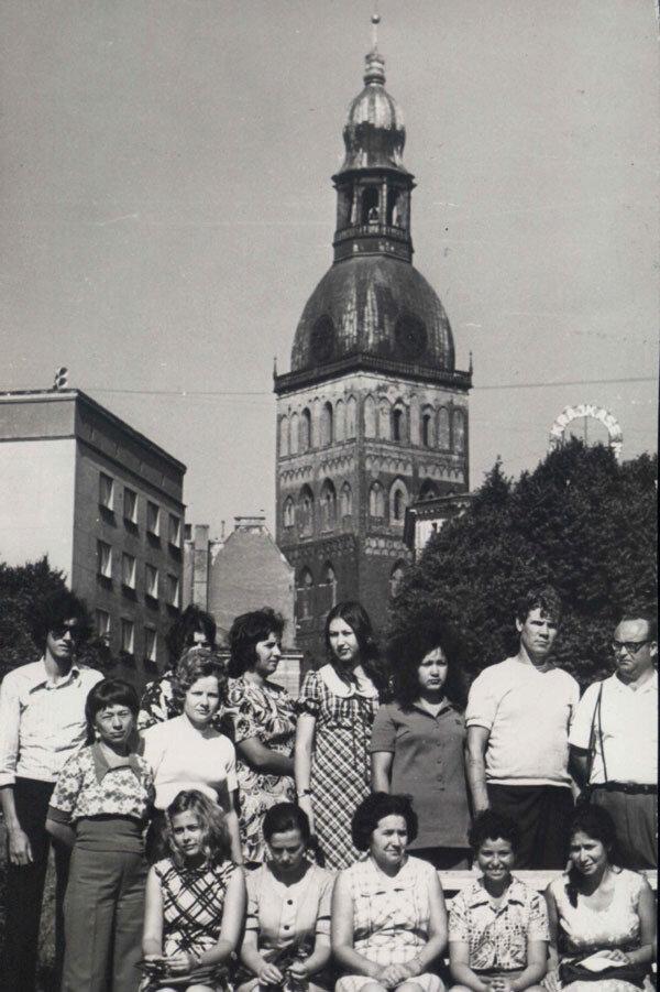 1974 Латвия на фоне 1.jpg