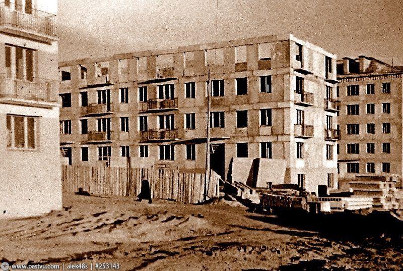 Строительство домов в 74 квартале 1959.jpg