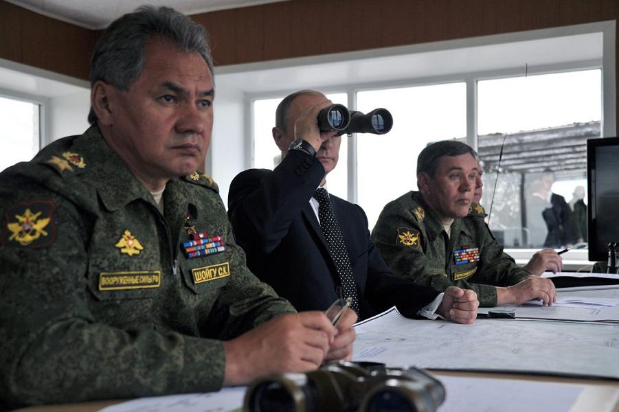 Шойгу, Путин, Герасимов на учениях.png
