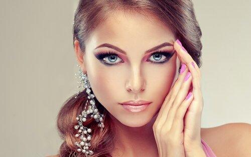 Секреты успеха российской косметики DeSheli