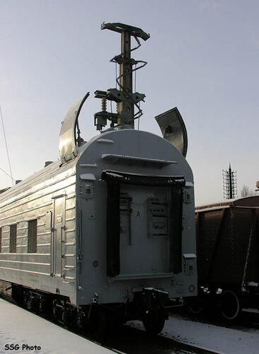 Пусковые модули имеют по восемь колесных пар.  Остальные вагоны - вагоны обеспечения...
