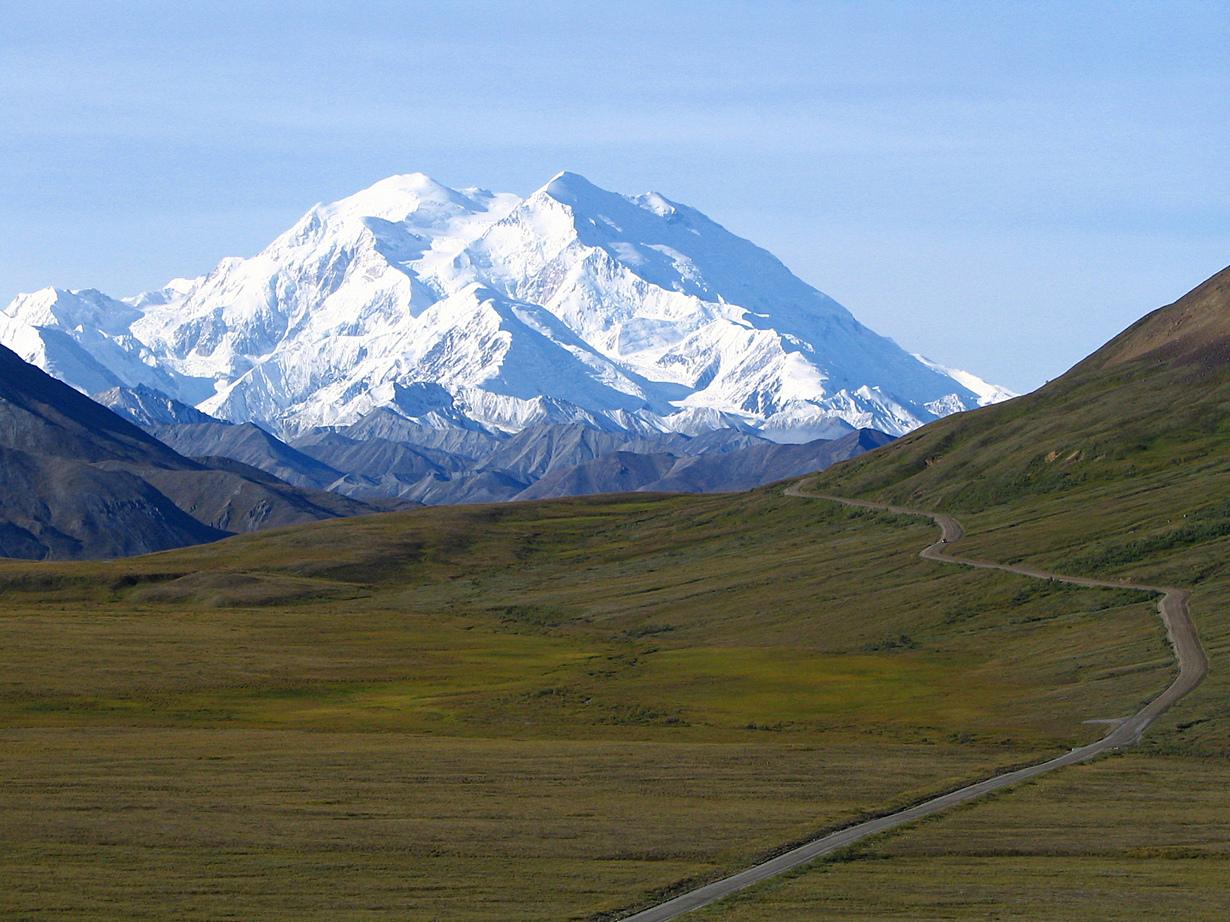 США. Аляска. Гора Мак-Кинли (6194 м над уровнем моря). Маршрут, который подойдёт для новичков носит