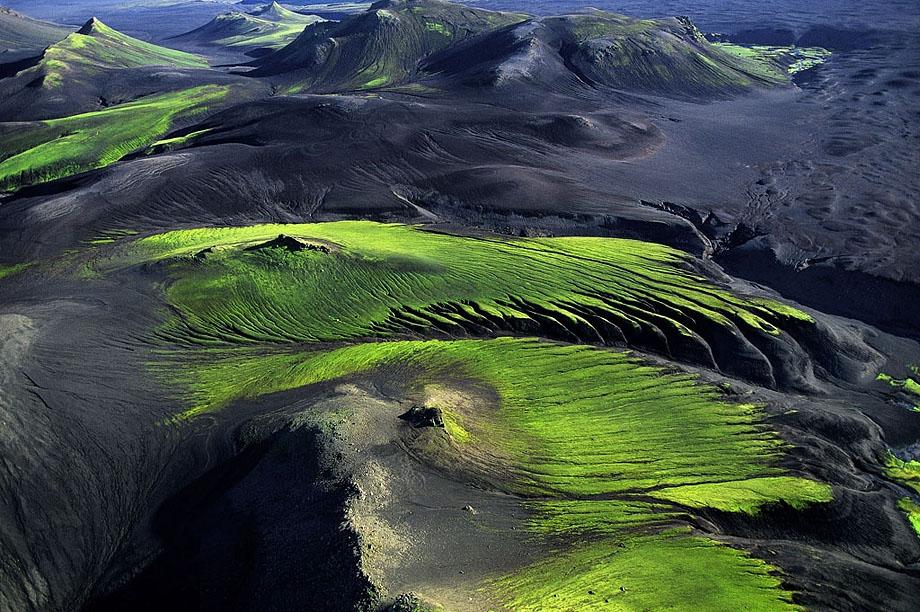 27. Горная местность вблизи Maelifellssandur в Исландии.