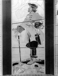 Образец изделий из цветного стекла (окно) - павильон Северного стекольно-промышленного общества.