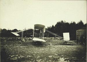 Общий вид биплана князя Кудашева; размах крыльев - 9 м, длина аэроплана - 10 м, общая несущая поверхность - 34 кв.м