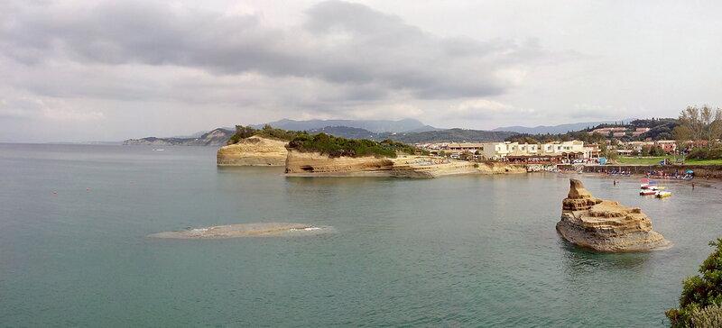 Сидари (Sidari) -  пляж Canal D'Amour центральный