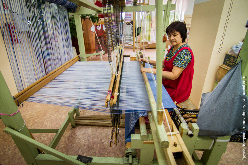 Алексеевская фабрика художественного ткачества