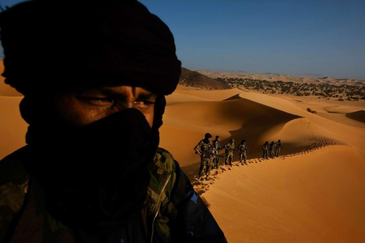 Воинственные североафриканские туареги на снимках фотографа из ЮАР Brent Stirton (3)