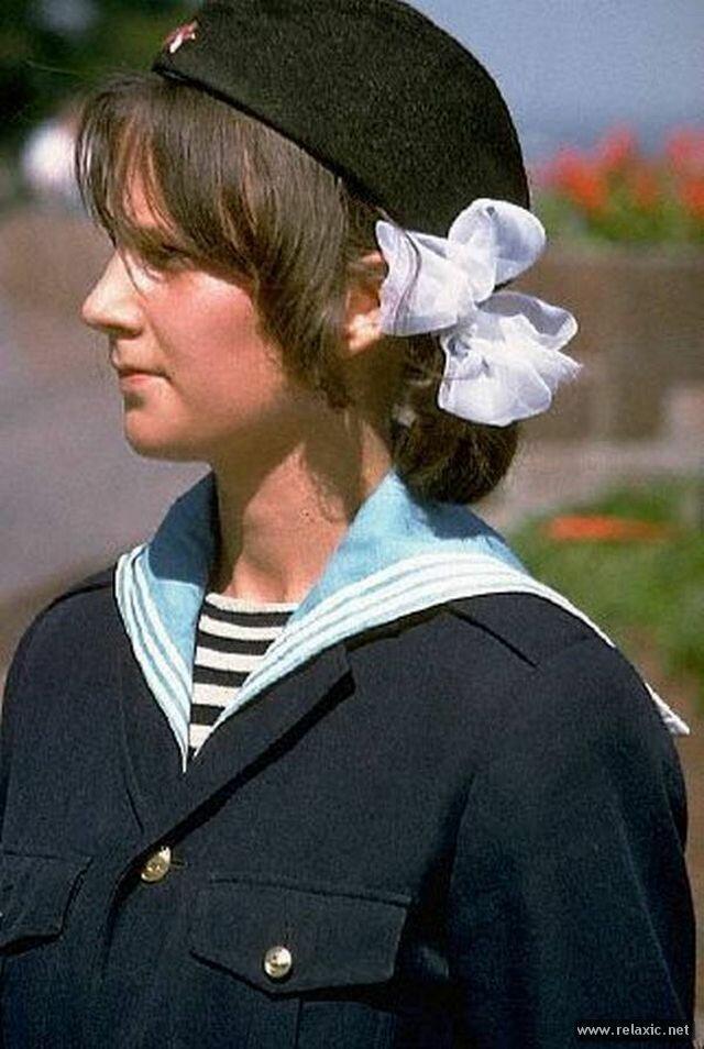 Одесса. Пионерка в почетном карауле. 1970