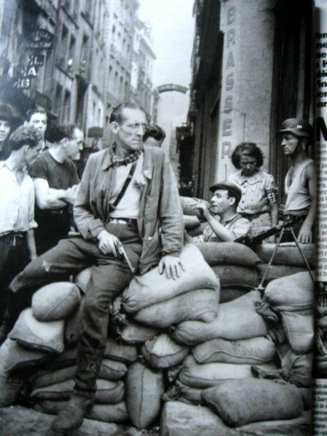 1944. Баррикада на улице Юшетт в Латинском квартале