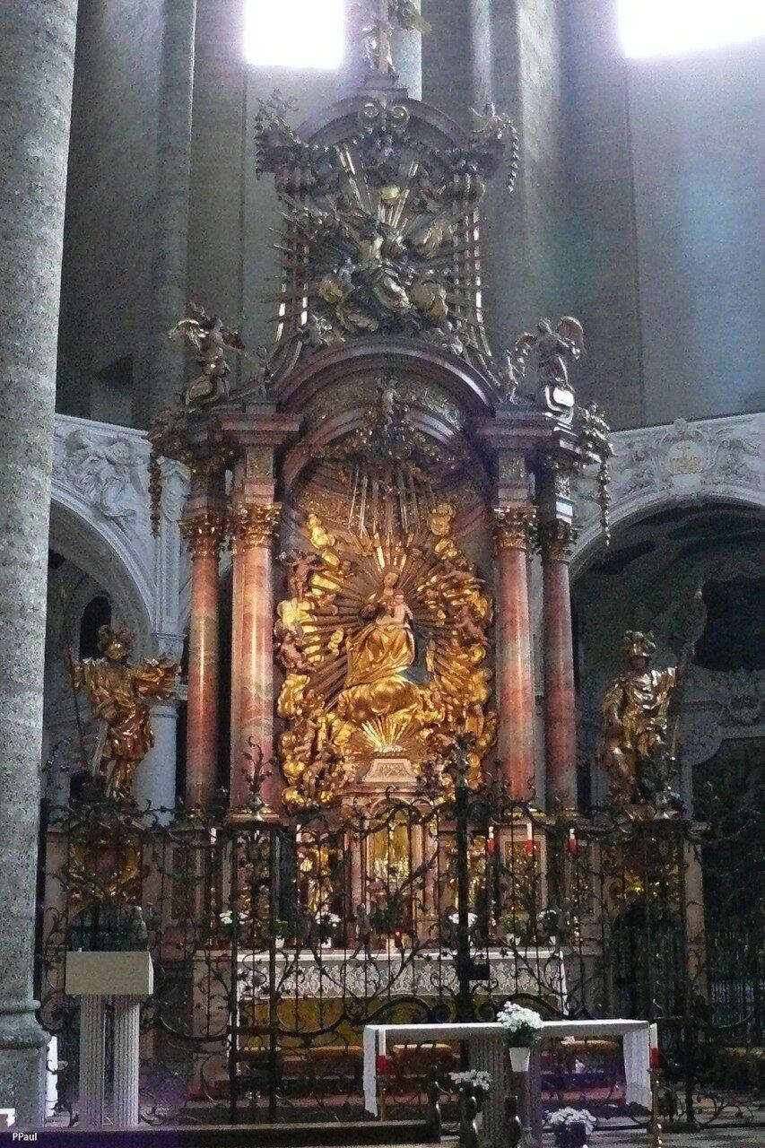 Францисканская церковь в Зальцбурге