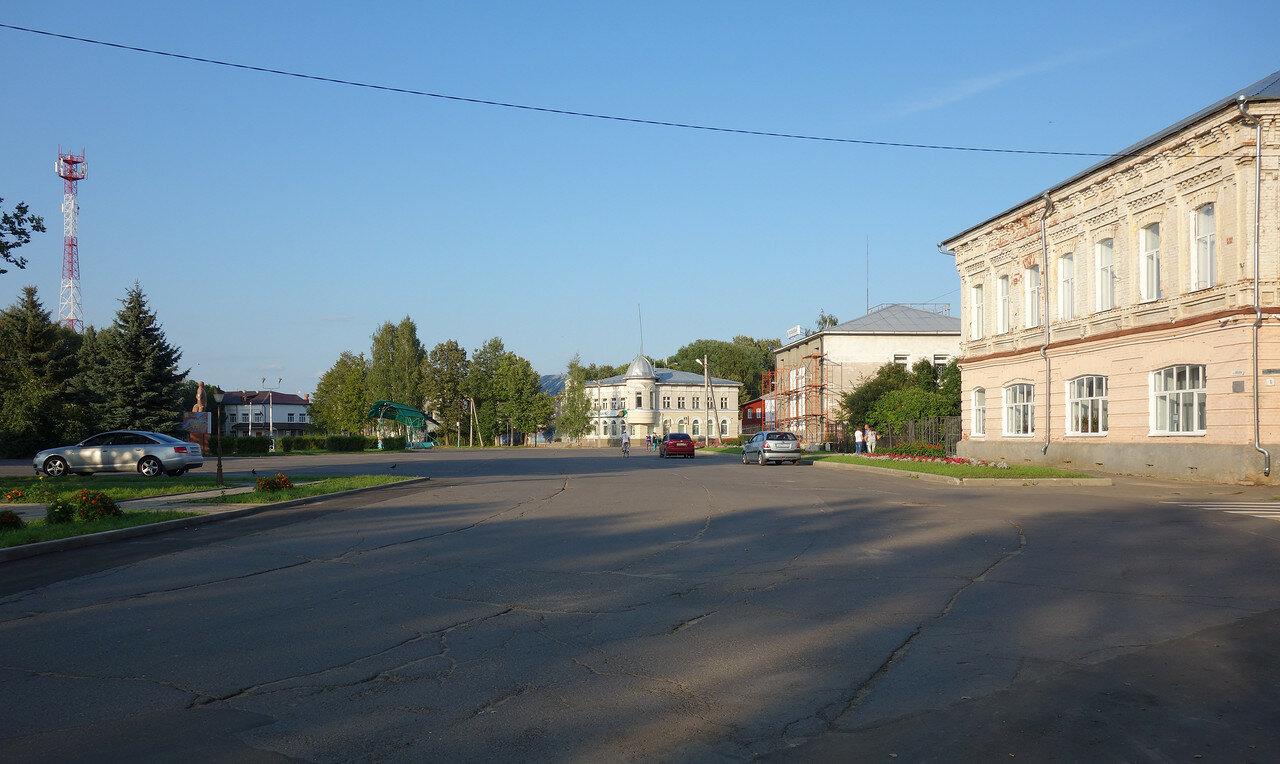 главная площадь городка