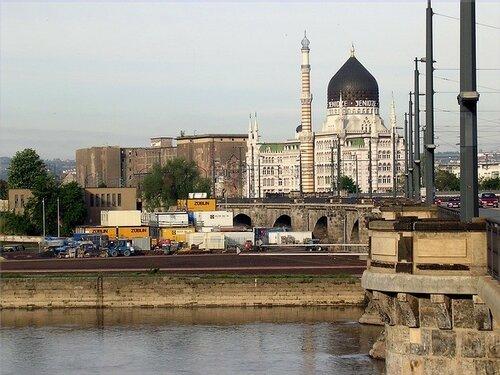 Два взрыва прогремели  в немецком Дрездене