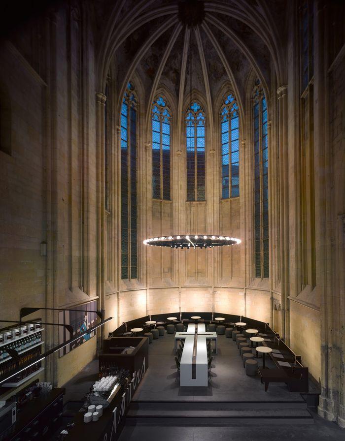 6. Книжный магазин в готической церкви в Голландии Пентхаус